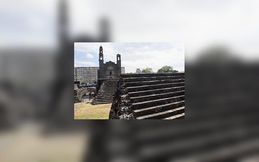 Meksikoje aptikta daugiau nei 800 metų senumo piramidė