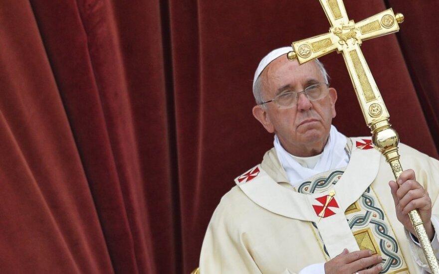 Католическая церковь меняет отношение к геям