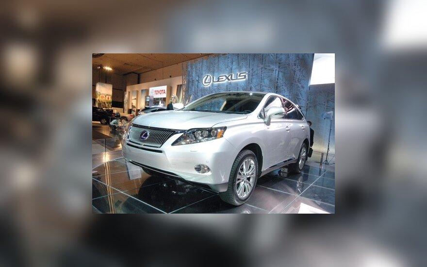 Toyota RAV4 и Lexus RX станут электромобилями