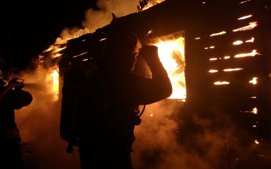 В Игналинском районе сгорела почти вся деревня