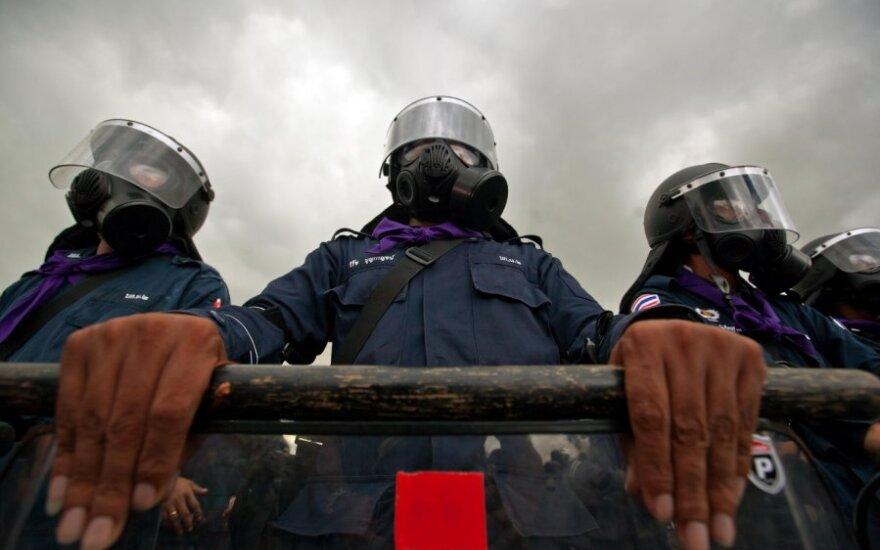 Tailando policija vaikė ašarinėmis dujomis protestuotojus