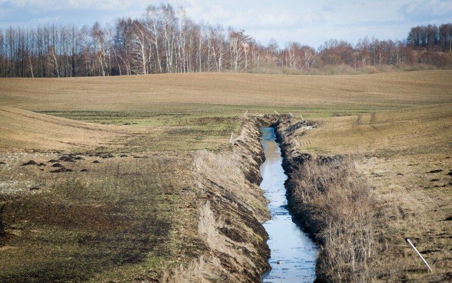 melioravimas,melioracija,aplinka,vanduo,laukai,pavasaris,gamta