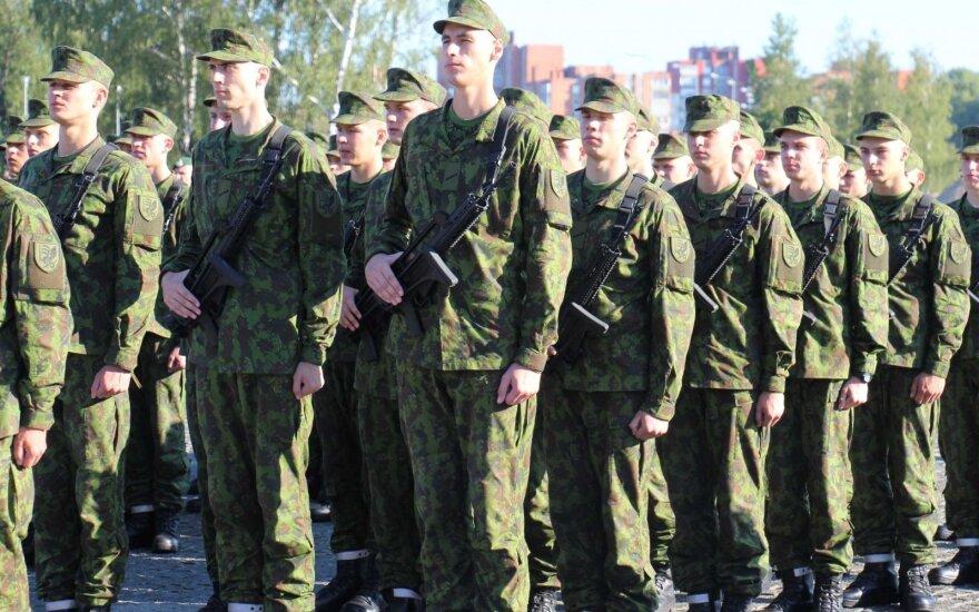 Сейм Литвы начинает дискуссии о будущем армейского призыва
