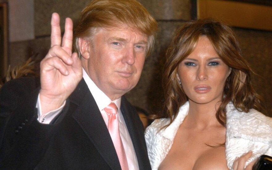 ФОТО: Смелые снимки обнаженной Мелании Трамп 90-х годов