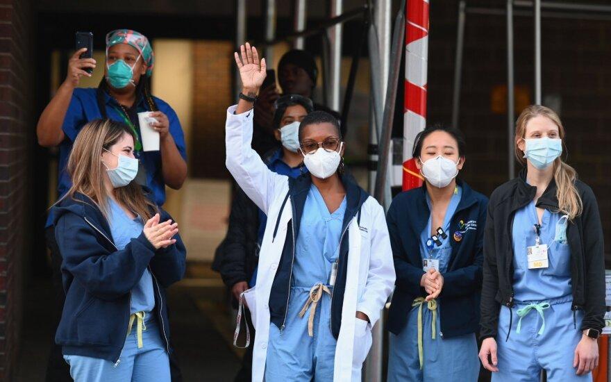 В США отправлена первая партия со средствами защиты для борьбы с коронавирусом