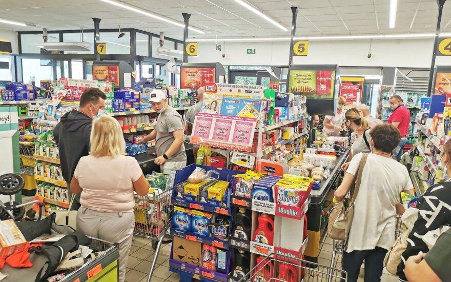 Lietuviai šturmuoja Seinų parduotuves