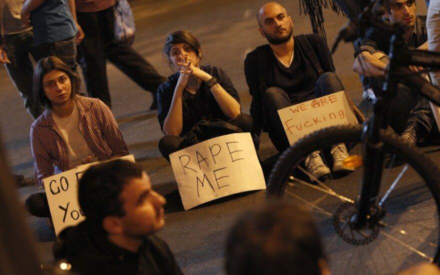 Protestai dėl kankinimų Gruzijos kalėjime