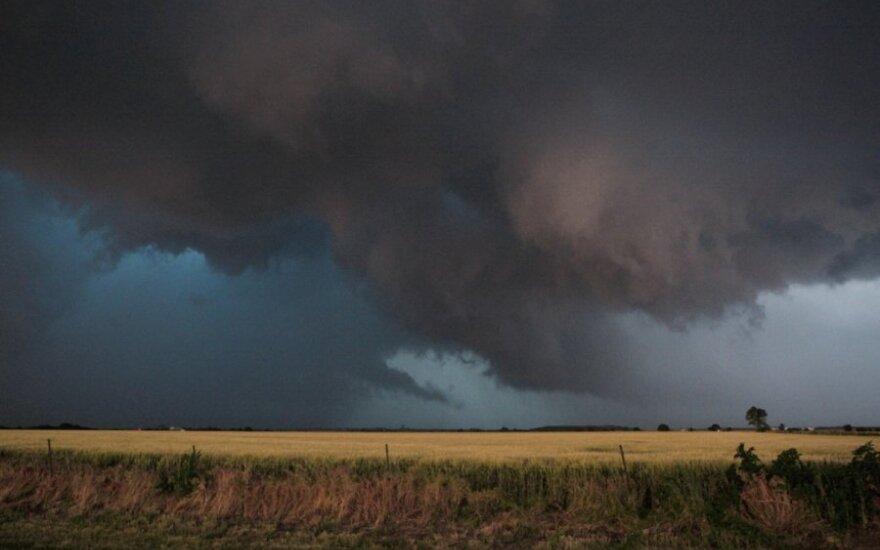 Торнадо в США: растет число жертв в Оклахоме
