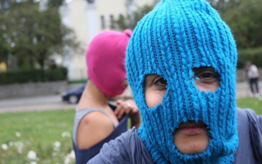 """Rosja: Morderstwo dwóch kobiet. Napis na ścianie ,,Free Pussy Riot"""""""