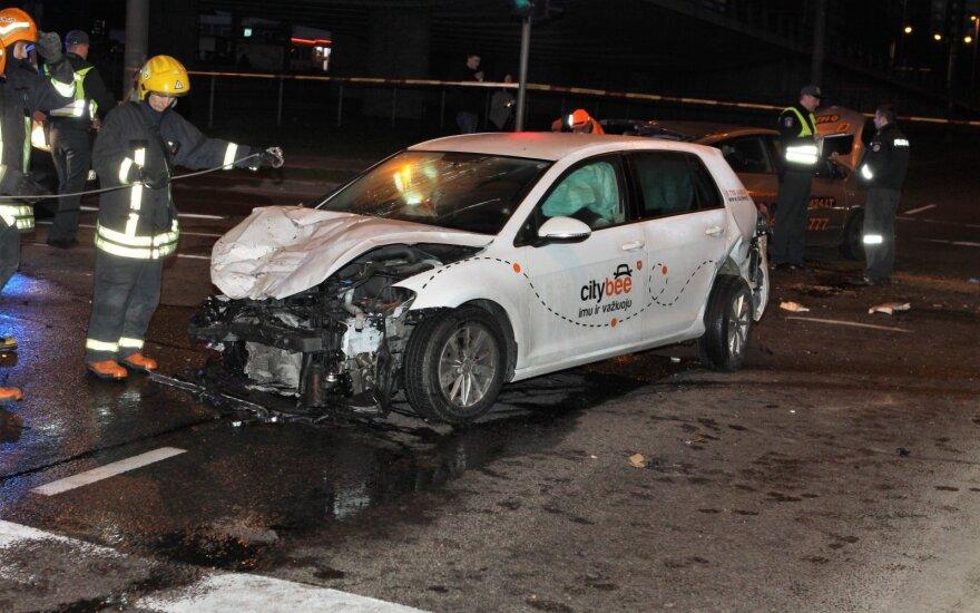 В Вильнюсе нетрезвый водитель CityBee совершил ДТП: погибла пассажирка