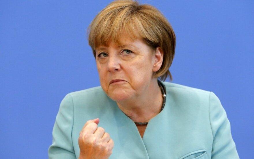 Chuligan w majtkach rozrabiał w samolocie Merkel