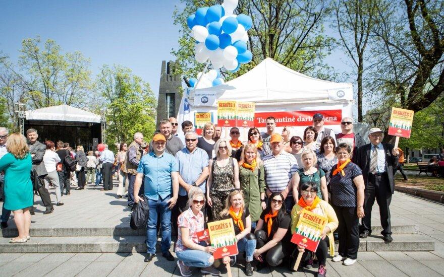 На праздновании 1 мая одним социал-демократам не нашлось места