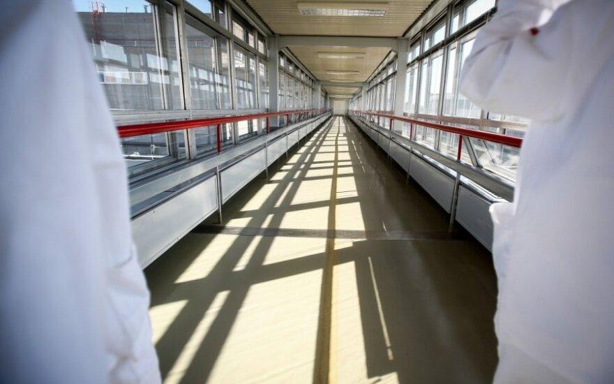 Ленинградская АЭС остановила один энергоблок из-за пара