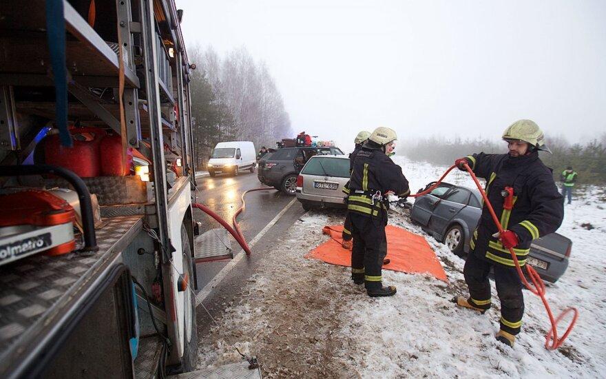 На дороге Вильнюс-Друскининкай тяжело пострадали два человека