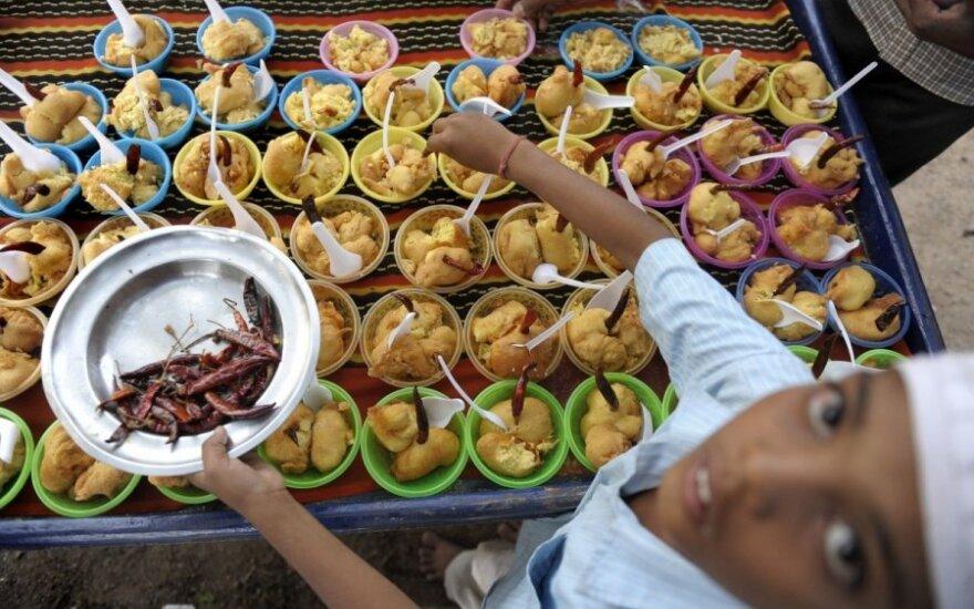 Индия собирается бесплатно кормить 800 млн жителей