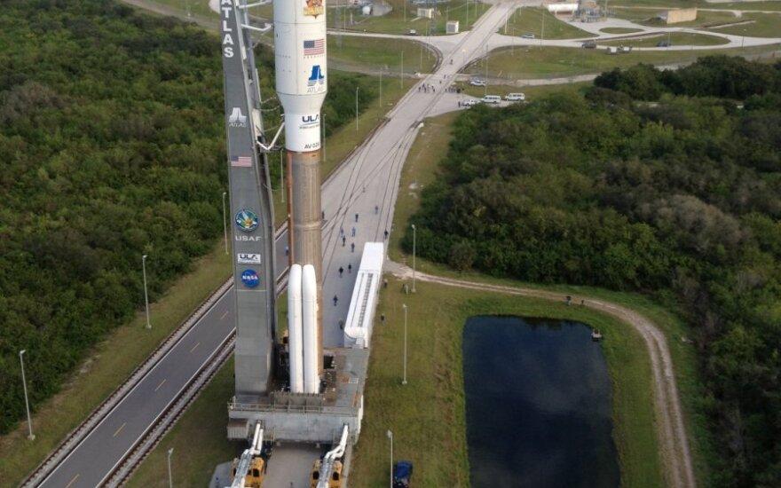 """Raketa """"Atlas V"""" su Marso moksline laboratorija"""