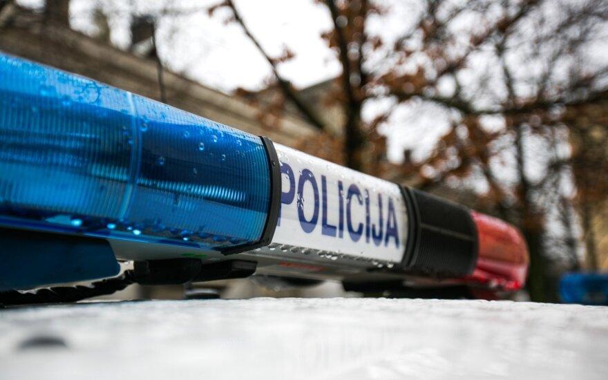 В доме в Алитусе обнаружены женщина и мужчина с огнестрельными ранениями