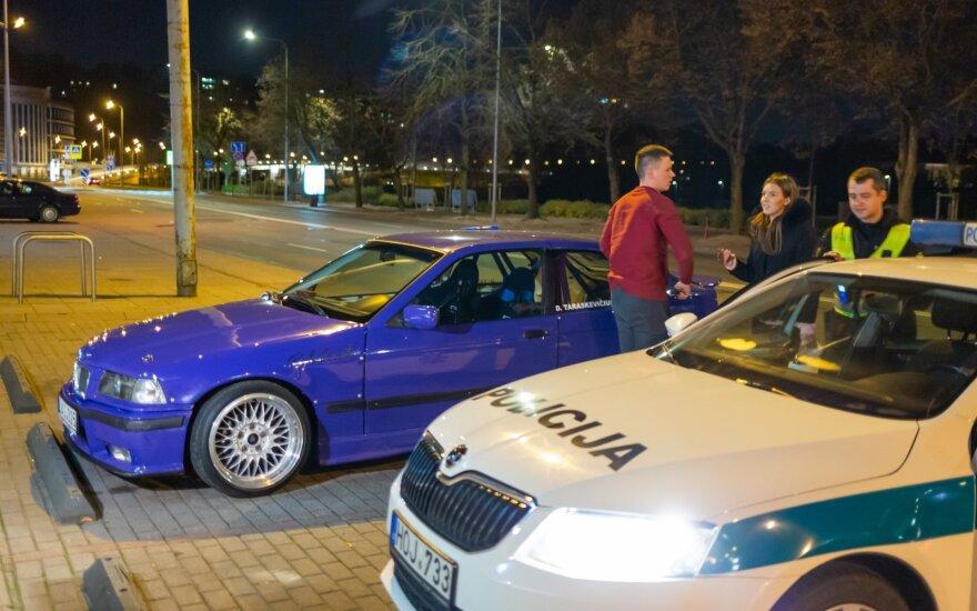 Deividą Taraškevičių policija kaltina nepaklusimu reikalavimui sustoti.