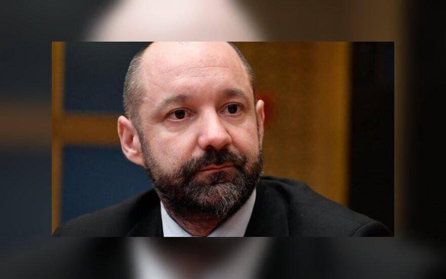 Экс-начальник охраны партии Макрона мог работать на олигарха из России
