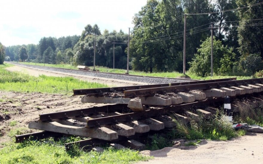 Niemal 30 mln zł w ciągu pół roku kosztowały kradzieże torów, kabli i innych elementów infrastruktury