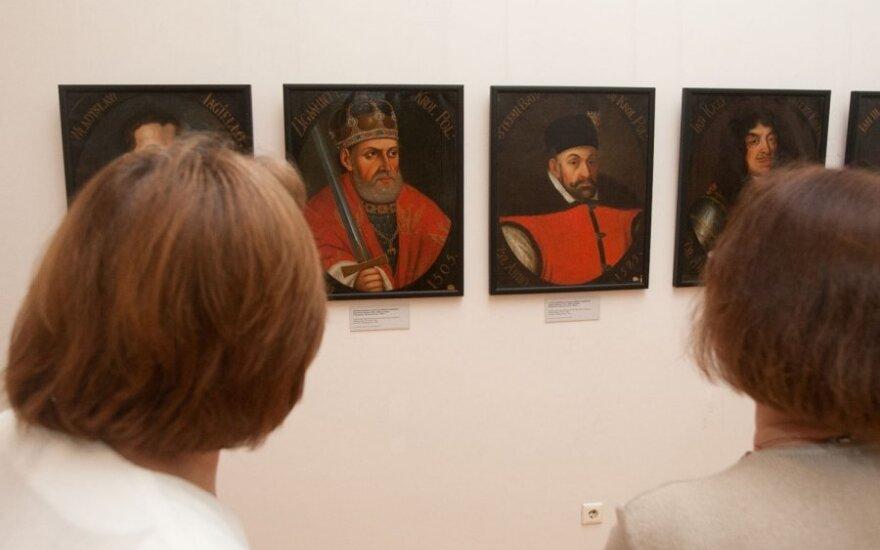 Украина привезла в Вильнюс портреты правителей и вельмож ВКЛ