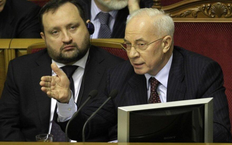 Sergejus Arbuzovas ir Mykola Azarovas