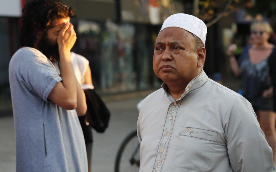 В Германии растут предубеждения против иностранцев и мусульман