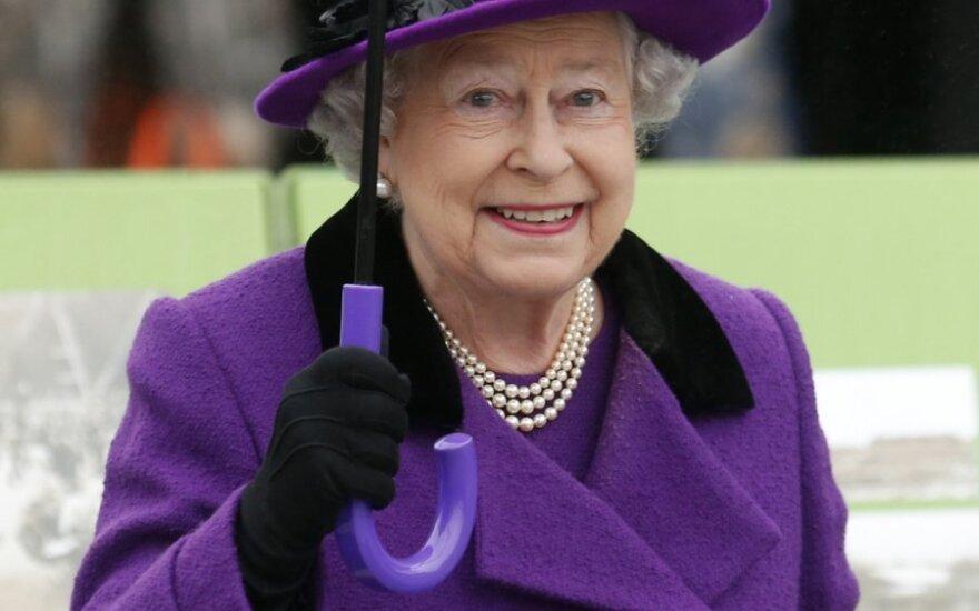 Wielka Brytania: Królowa umiera, a jej synowa rwie się do władzy