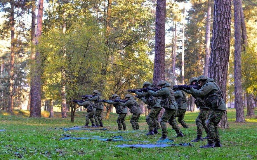 В Литве растет количество молодых людей, которые стараются избежать службы в армии