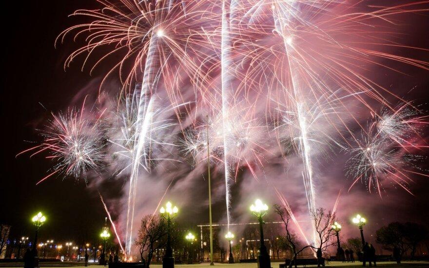 Polacy coraz częściej witają Nowy Rok za granicą