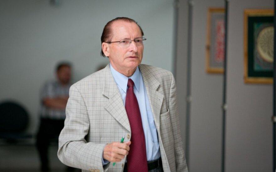 Józef Kwiatkowski na celowniku Komisji ds. Etyki, bo pieniądze parlamentarne wydał na spinki