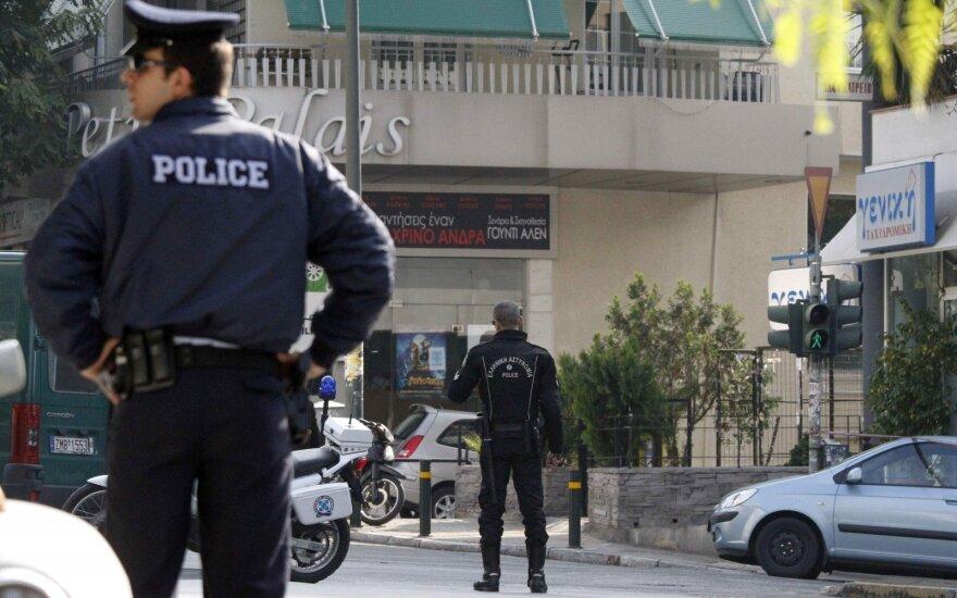 Graikų policija prie Rusijos ambasados Atėnuose