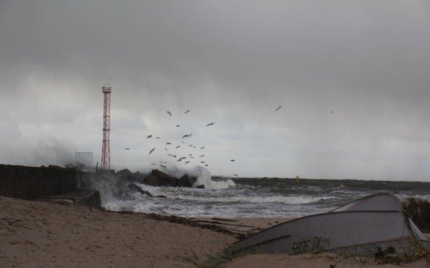 В Литве прогнозируют переменчивую погоду: сильный ветер, грозу и снег