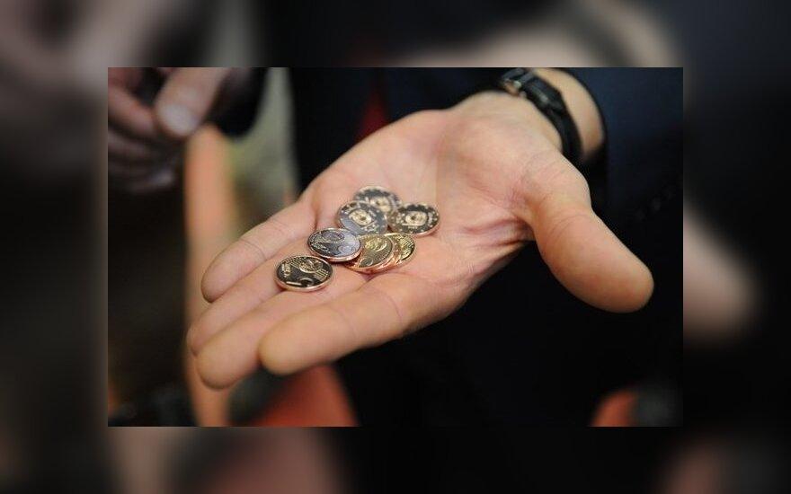 Опасаются, что жители будут шокированы, увидев зарплаты в евро