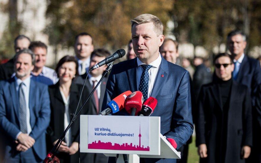 """Мэр Вильнюса обещает базовую зарплату учителям и """"возрождение"""" района вокзала"""