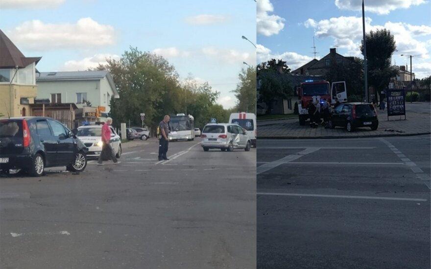 В Паневежисе столкнулись два автомобиля: скорая медицинская помощь понадобилась женщине и мужчине