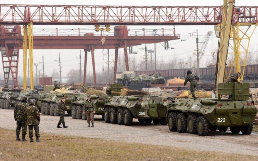 Ukrainos kariuomenė stiprina pajėgas dėl padėties Kryme