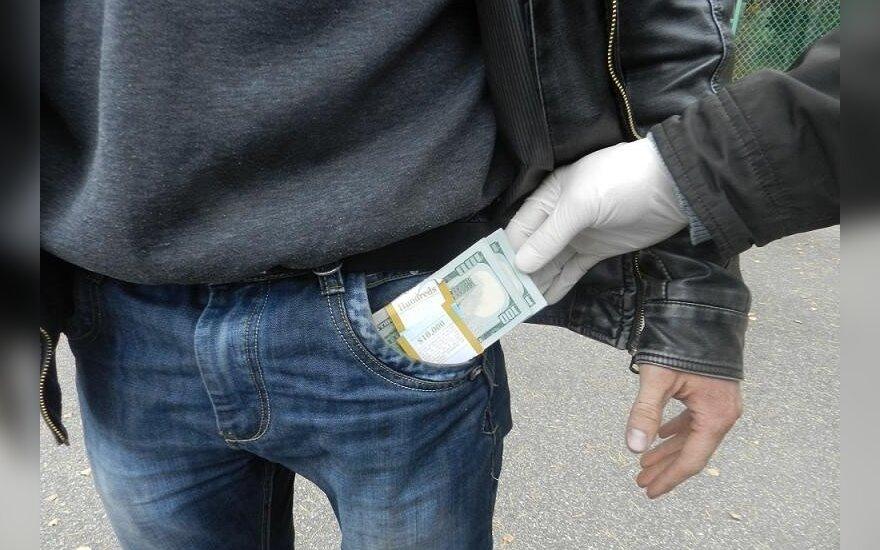 Белорус хотел незаконно вывезти из Литвы 117 000 литов