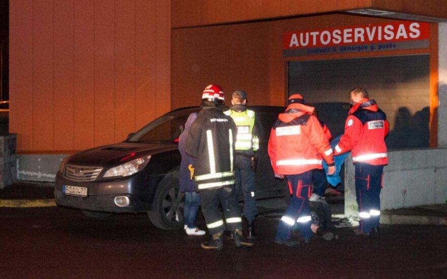 Ночью в Вильнюсе автомобиль переехал женщину