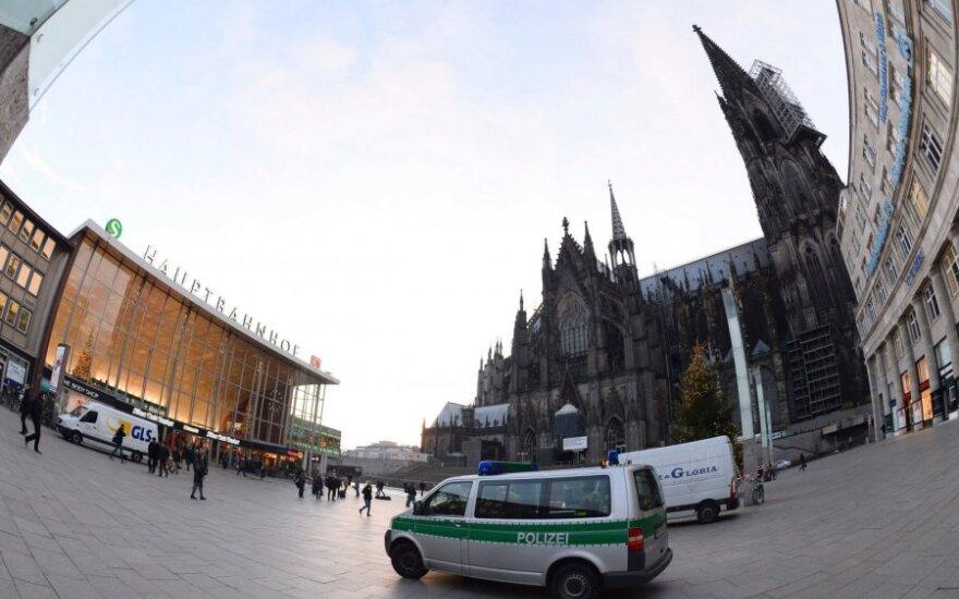 СМИ: полиция Германии не афиширует преступления мигрантов в попытке сдержать социальные протесты