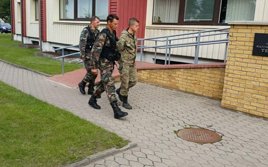 Суд разрешил на месяц взять под стражу задержанного на границе с Россией мужчину без документов
