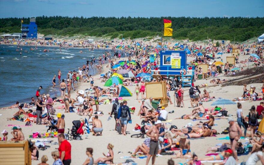 Сотни евро за ночлег на литовском взморье: люди платят, сколько им скажут