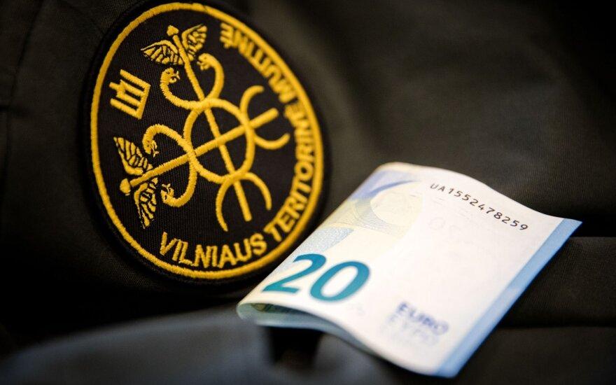 Литовский таможенник отказался от большой взятки, гражданин Латвии задержан