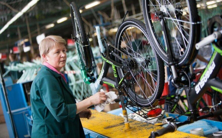 Трудовая пора на заводе литовских велосипедов