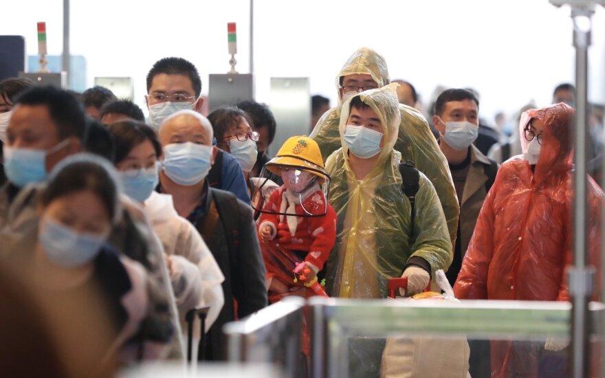 """В Ухане """"обнаружили"""" еще около полутора тысяч умерших от коронавируса"""