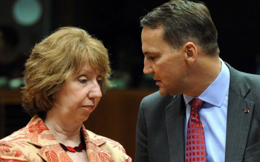 """Radosław Sikorski """"naturalnym zmiennikiem"""" Catherine Ashton"""