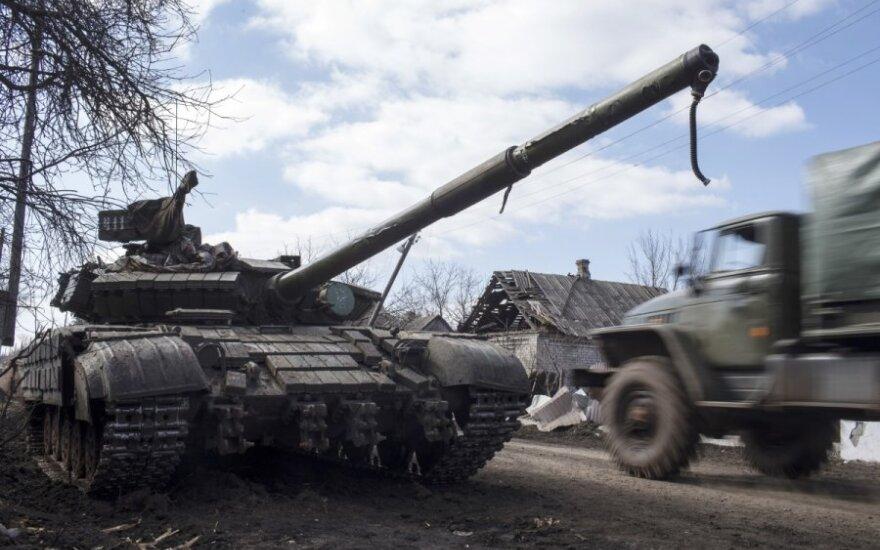 Украина подтвердила: сепаратисты тоже отводят вооружения