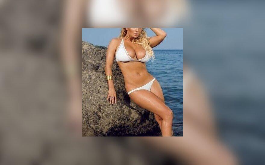 Анна Семенович доказала - грудь у нее натуральная