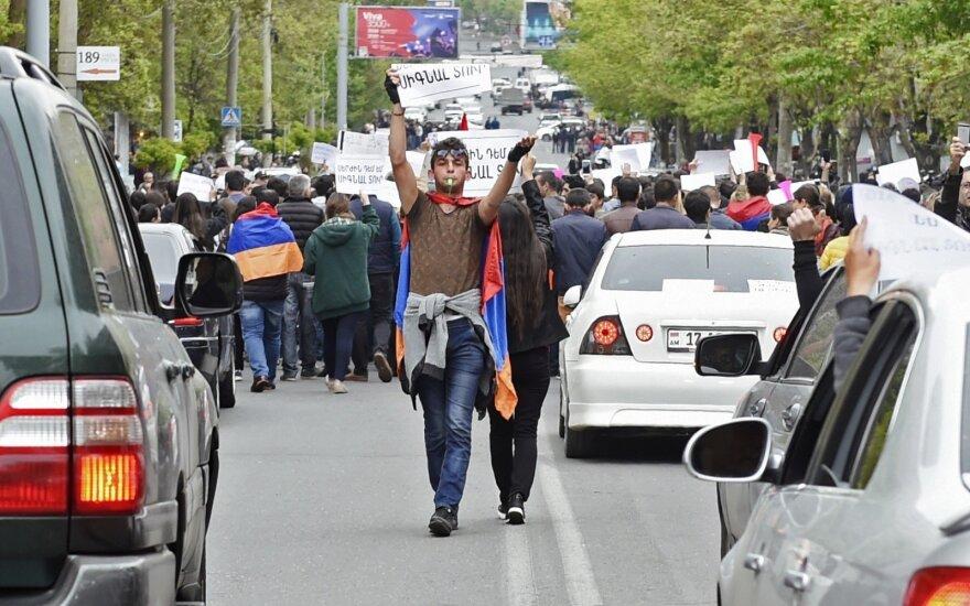 Эксперты о реакции Москвы на события в Армении: впервые Россия повела себя умно