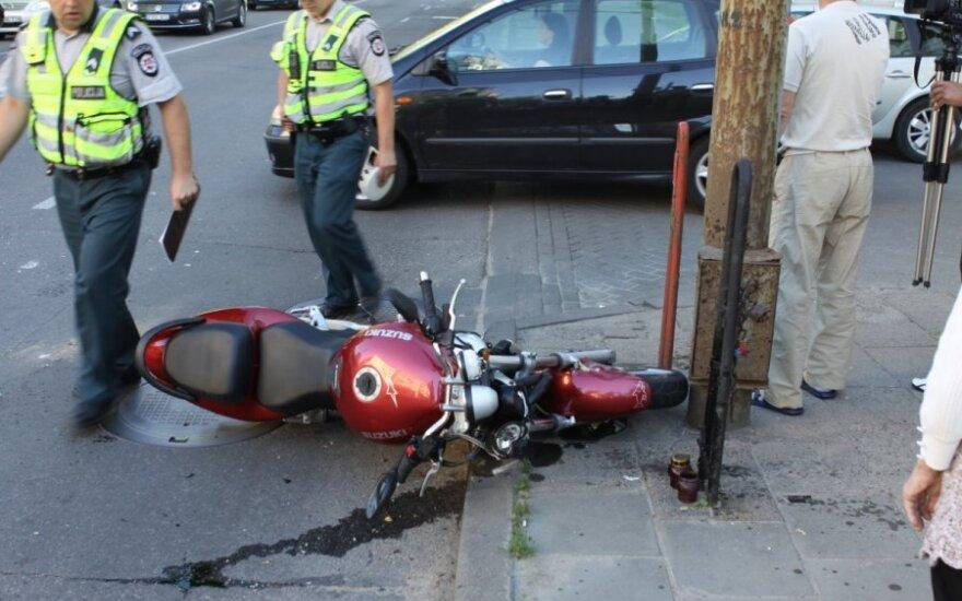 20-летний мотоциклист насмерть сбил мужчину